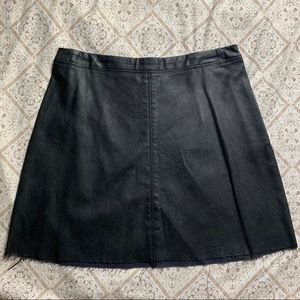 Abercrombie & Fitch Faux Leather Mini Skirt (8)